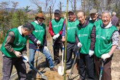 みやま荘植樹写真1