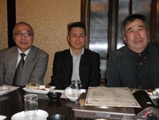 左から、塚田、高橋、工藤の各会員