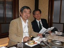 左から、中村会員、赤松氏