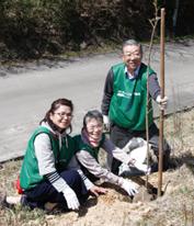 みやま荘植樹写真2