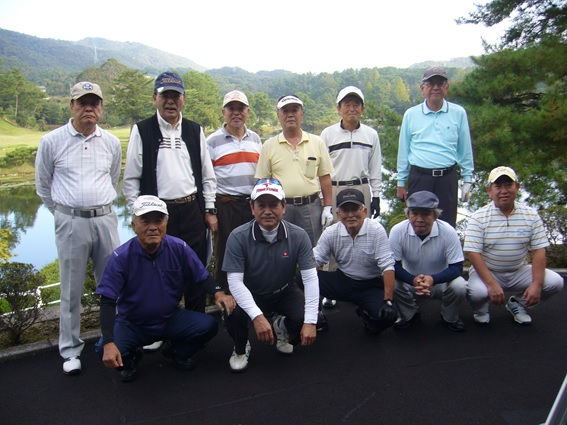 (後列左から)宮原さん、増井さん、神田さん、前田さん、今井さん、後藤さん (前列左から) 大本さん、和田さん、米澤さん、新庄さん、高平さん